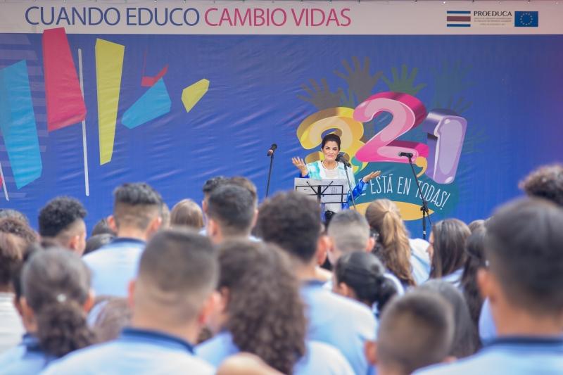 La señora Directora del Proyecto PROEDUCA, Joyce Mejías Padilla