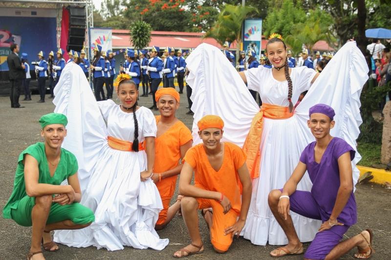 Grupo folklórico CTP Padre Roberto Evans